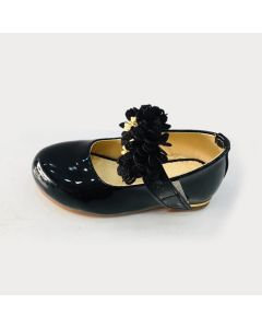 Girls kids pretty sandal with  black floral